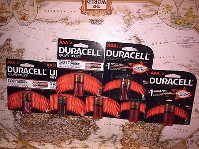 Lot 14 DURACELL Quantum Batteries with Duralock Power Preserve Technology, AAA