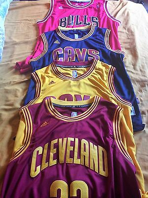OFFRE EXCEPTIONNELLE !!! 4 Maillots - Cleveland Cavaliers + Chicago Bulls
