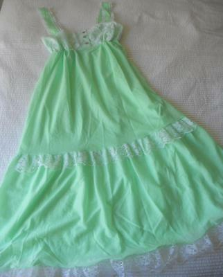 Nwot Vintage 1960's Balmoral Ladies Pretty Green Long Nylon Nightie 14