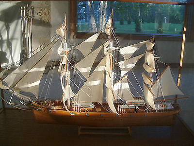 The Cutty Sark ~ 1869 ~ Wooden model ship displayed in a wood and glass case