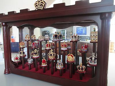 Crowns Of Greatness And History ~ Set Of 18 Crowns  With Glass Display Case