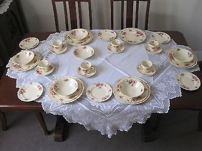 Gorgeous Vintage J & G Meakin Delicia Deep Pink Roses 36 Pce Dinner Set
