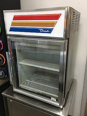 True Gdm-05-S Countertop Refrigerated Glass Door Merchandiser