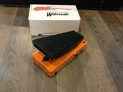 George Dennis GD30 - Wah Wah Guitar Effects Pedal - FREE SHIPPING