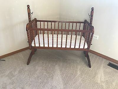 jenny lin baby cradle