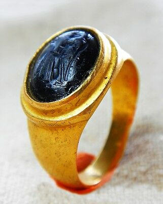 Stunning Ancient Roman Solid Gold Ring With Old Garnet Stone Emperor Intaglio