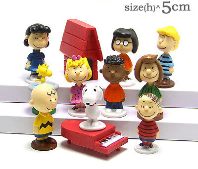 12 pcs Peanuts Charlie Brown Snoopy Lucy Franklin Action Figure Cake Topper Toy