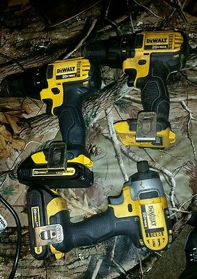 dewalt dcf885 and dc780 20v lithium ion drill set and batterys