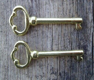 2 Grandfather Clock or Curio Cabinet Door Key Howard Miller - Seth - Others -