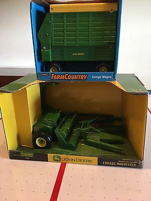 John Deere Forage Harvester/Silage Chopper and John Deere Silage Wagon 1/16