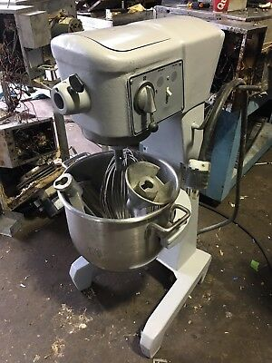 Used Hobart Heavy Duty Dough Mixer - 30 QT - D-300