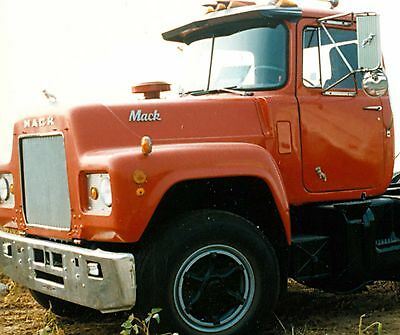 MackR MODEL MACK TO FULLER BELL HOUSING NEW