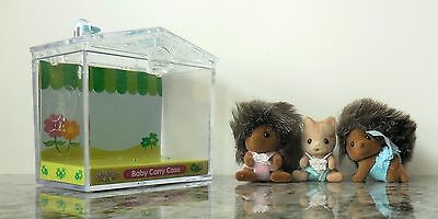 Calico Critters PICKLEWEEDS HEDGEHOG TWINS w/ Clothes + KITTEN & Carry Case EUC