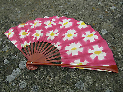 Fine 20th Century Hand Painted Japanese Fan