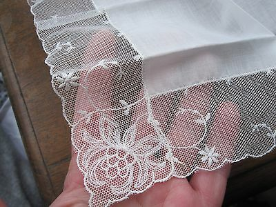 Beautiful Vintage Embroidered Lace Fine Linen Wedding Bridle Handkerchief
