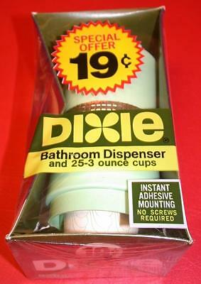 VINTAGE 1960's DIXIE CUP BATHROOM DISPENSER w/ 25 3oz CUPS Old Store Stock GREEN
