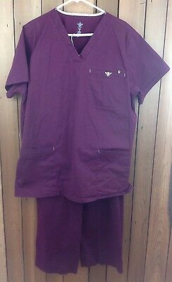 Men's MED COUTURE  EZ Flex Scrub Set - Size Large ~ Merlot
