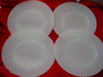 MACBETH & EVANS PETALWARE MONAX WHITE OPALESCENT GLASS LUNCH PLATES 8 INCH x 4