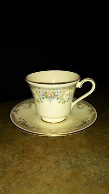 Royal Doulton, The Romance Collection - JULIET - Cup & Saucer