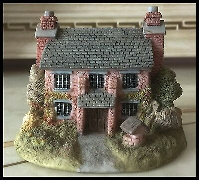 Leonardo Collectable Cottage ' The Elms ' - Larger Than Average - Perfect