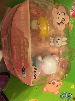 Hello Kitty Playful Pets Joyeux Animaux Blue Box