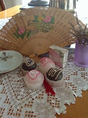 Shabby Vintage Cute Decore Display Fan Cupcake Candles Saucer Soap Glass Vase