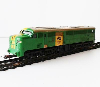 LIMA - AUSTRALIAN NATIONAL 937 DIESEL LOCOMOTIVE - HO guage made in Italy