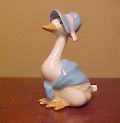 Hagen-Renaker Mini #2057 MOTHER GOOSE (Blue) - Miniature Ceramic Bird Figurine
