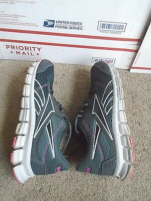 Women's Reebok SmoothFlex athletic running shoes size 10