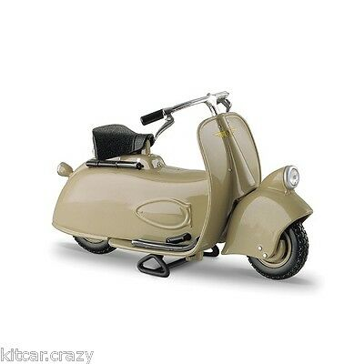 Maisto Vespa Mp5 Paperino 1945 1:18 Scale, Diecast Model Collectable
