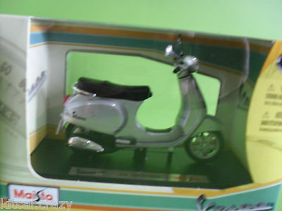 Maisto Vespa Lx 125 2005 1:18 Scale, Diecast Model Collectable