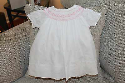BABY GIRL WHITE SMOCKED DRESS / PINK EMBROIDERY size 3-6 Mo flowers