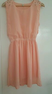 Heramy peach colour short sleeved dress.  Size M. Used
