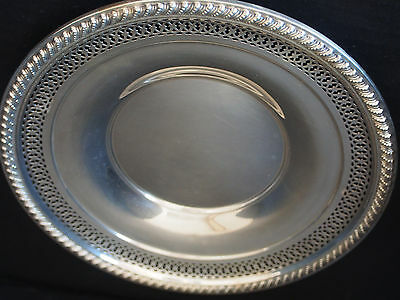 """9"""" Antique Sterling Silver Repousse Reticulated Interlocked Plate Tray 131 gr"""