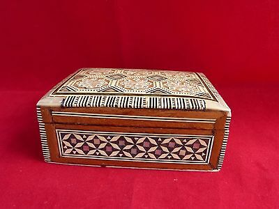 Vintage Wood Inlaid Bone & Mother of Pearl/ Nacre Oblong Box