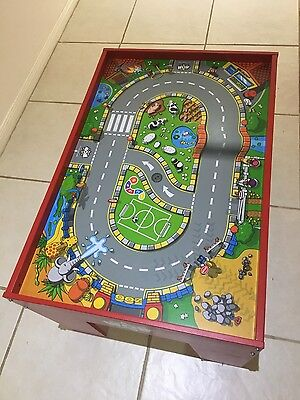 WOW Play Activity Table - GREAT CONDITION