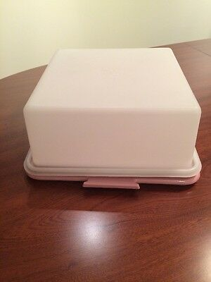 Tupperware Square High Lid Cake Taker (mail option also available)