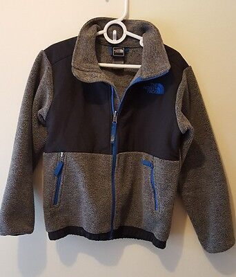 The North Face Boys Charcoal Gray & Black Fleece Jacket  SIZE S(7/8)