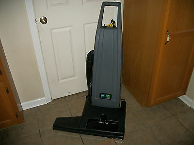 Tennant Nobles 26 Inch Wide Path Commercial Hotel Vacuum Model V-Wa-26