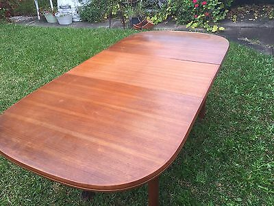 1979 Chiswell dining table and 6 chairs