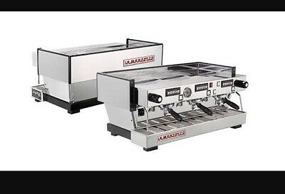 La Marzocco Linea AV 3 Group Commercial Coffee Machine. Great Cafe Showpiece