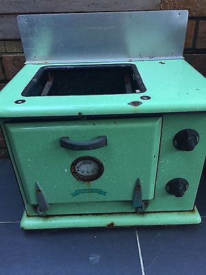 DAVELL vintage cast iron oven