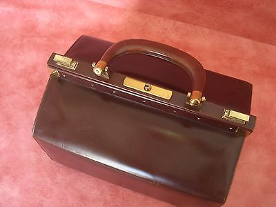 Vintage Travelling Brown Leather Vanity Case Brass Gold Tone Fittings Ref I4