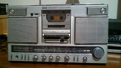 AKAI AJ-490FS 4 Band Radio Cassette Boombox.  Vintage 1980's. Made in Japan