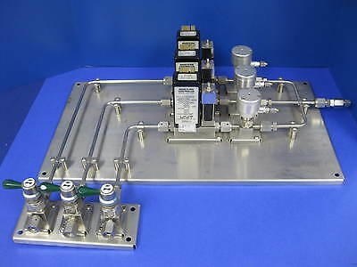 VSM 5%H2/N2- Argon-N2 High Purity Gas Panel 3036 w/ Unit UFC-1000 MFC's, Used