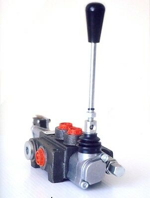 Double Acting Control Valve - 1 spool.  Good Quality Unit. Brand New.