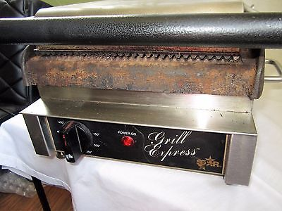 Star Grill GX10IG Commercial Panini Sandwich Press w/ Cast Iron Grooved Plates