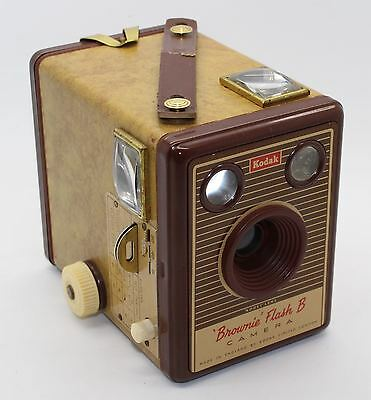 Kodak Brownie Flash B 620 Film Box Camera - Beautifully Retro with bag - VGC