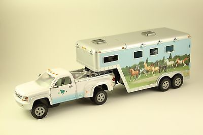 Breyer Stablemates Pony Gals Park & Ride White with Blue Decals Toy Pickup Truck
