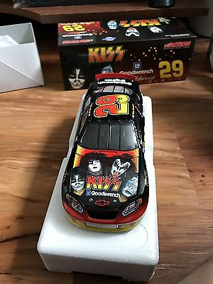 Action #29 KISS 2004 Chevy Monte Carlo - GM Dealers 1:24 Diecast Car